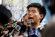 港活动家黄之锋出狱后加入逃犯条例抗争
