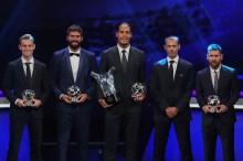 欧足联颁奖 :  梅西荣获最佳前锋       范戴克当选欧洲最佳球员
