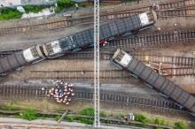 香港地铁红墈站今早发生列车出轨事故     致3人受伤