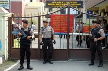 两名涉棉兰市爆炸案嫌疑人自首