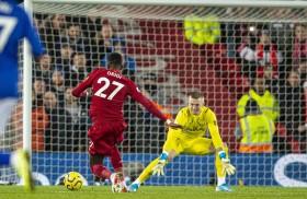 英超综述 : 曼联、利物浦主场优势