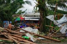 """台风""""巴蓬""""圣诞节袭击菲律宾     已致16人死亡"""