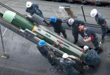 中方坚决反对美向台湾出售武器