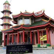 马吉冷市有一座伊斯兰教华裔建立的清真寺    体现国内多元种族和谐
