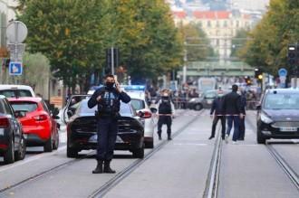 法国尼斯发生袭击事件致3死  反恐预警升至最高级别